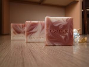茜草渲染皂